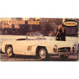 Mercedes-Benz, 300 SL Cab. mit Fahrerfigur, 1/32
