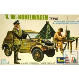 Volkswagen VW, Kuebelwagen Typ82 mit Figuren, 1/43